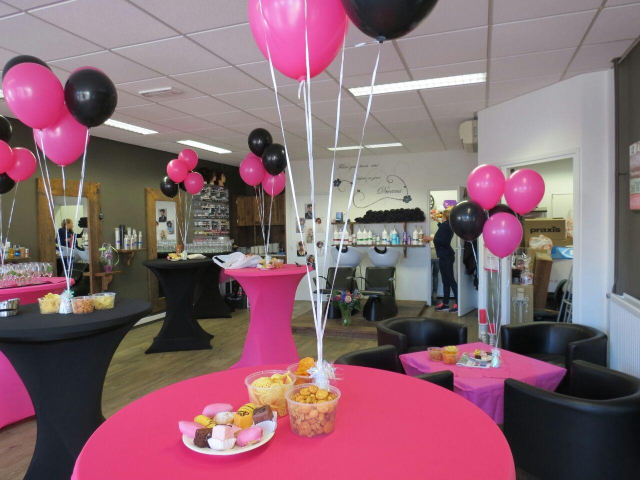 Tafeldecoratie helium ballonnen wink events for Ballonnen decoratie zelf maken